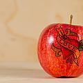Apple Love by Jonas Luis