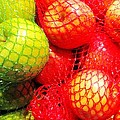 Apples by Marilyn Diaz