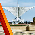 The Milwaukee Art Museum By Santiago Calatrava by David Perry Lawrence