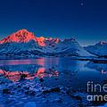 Artic Sunset by Francesco Ferrarini