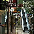 Auckland Shopping Mall by Mark Llewellyn