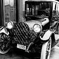 Automobile, 1916 by Granger