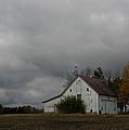 Autumn Barn by Dan McCafferty