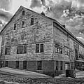 Barn At Amhi   7k00333 by Guy Whiteley