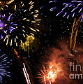 Beautiful Fireworks 5 by Jeelan Clark