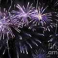 Beautiful Fireworks 7 by Jeelan Clark