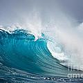 Beautiful Ocean Wave by Boon Mee