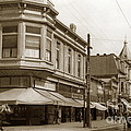 Big Curio Store Santa Cruz At 28 Pacific Avenue On The Corner Of Lincoln And Pacific. 1908 by California Views Archives Mr Pat Hathaway Archives
