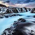 Blue Waterfalls by Naphat  Chantaravisoot