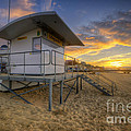 Bournemouth Beach Sunrise by Yhun Suarez