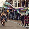 Bubble Performance by Sarka Olehlova