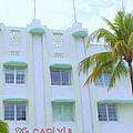 Carlyle Hotel by Tom Reynen