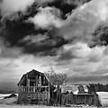 Castile Barn 806b by Guy Whiteley