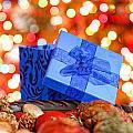 Christmas Gift by Peter Lakomy