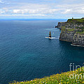 Cliffs Of Moher Looking North by RicardMN Photography