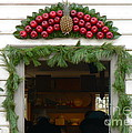 Colonial Williamsburg Yuletide Decorations by Jean Wright