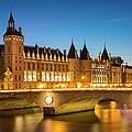 Conciergerie Twilight - River Seine by Brian Jannsen