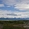 Cordillera Moore by Ralf Broskvar