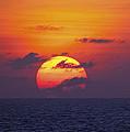 Cruise Sunset by Daniel Hagerman