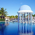 Cuban Resort by Valentino Visentini
