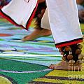 Dancing Feet by Henrik Lehnerer