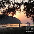 Dawn By The Sea 06 by Pusita Gibbs