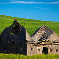 Dilapidated Barn by Inge Johnsson