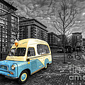 Docklands Ice Cream  by Rob Hawkins