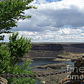 Dry Falls Overlook by Charles Robinson