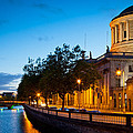 Dublin Four Courts by Inge Johnsson