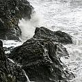 Dyrholaey Surf by Ian Ashbaugh