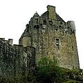 Eilean Donan Castle by Camm Kirk