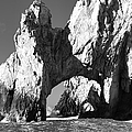 El Arco In Black And White by Sebastian Musial