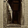 Entrance by Roberto Pagani