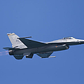 F-16 Fighting Falcon by Adam Romanowicz