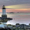 Fort Pickering Lighthouse At Sunrise by Juli Scalzi