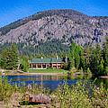 Freestone Inn Lakeside View by Omaste Witkowski