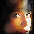 Girl Sans Variant by Richard Thomas