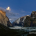 Glow - Moonrise Over Yosemite National Park. by Jamie Pham