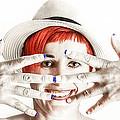 Hand Smile  by Stwayne Keubrick