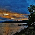 Haverstraw Bay by Thomas  McGuire