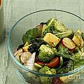 Healthy Mixed Salad by Lee Serenethos