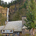 Historic Multnomah Falls Lodge by Jit Lim