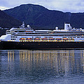 Holland America Volendam by Shoal Hollingsworth