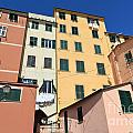 homes in Sori - Italy by Antonio Scarpi