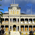 Honolulu Old Palace Close View by Linda Phelps