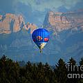 Hot Air Balloon by Susanne Van Hulst