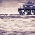 Huntington Beach Retro by Tuan Le