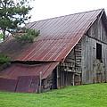 Hyde Farm Barn by Beverly Martin