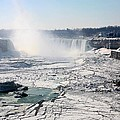 Ice Flows At Niagara by Eric Swan